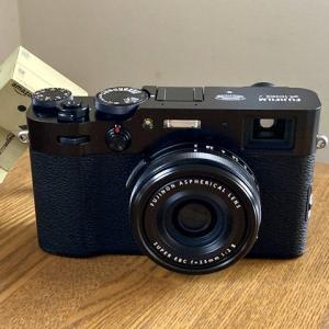 my new gear... カメラ、富士フイルム X100Vを買いました