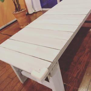 あの白ベンチを塗り直しました!