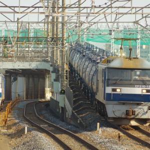 EF210同士の離合・・・武蔵野線
