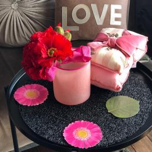 おうち時間♡春のお花で楽しみましょ♡ポピーとラッキーカラーの花器で♡