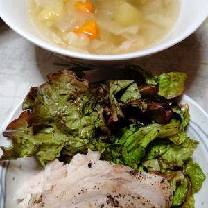 鶏胸肉で鶏ハムと野菜スープ