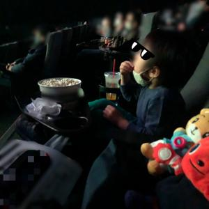 4歳4ヵ月 初めての映画館。ポケモンココ。