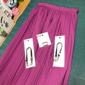 半端に残った生地でオーバースカート制作