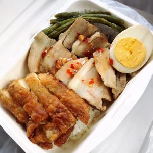タイ料理のお弁当屋さん「キッチンRaanAko」さんでテイクアウト♪(旭川市末広1条4丁目)