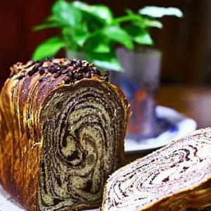 チョコシートで折りこみ食パン