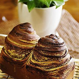 焼きたてチョコ折り込みパン
