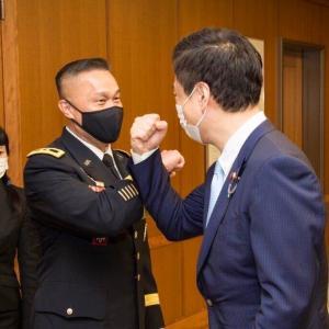 在日米陸軍 司令官 勲章伝達式