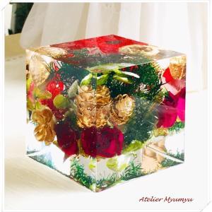 ◆クリスマスの飾りつけはこれで十分☆クリスタル・アートリウムでイルミネーションキューブの制作