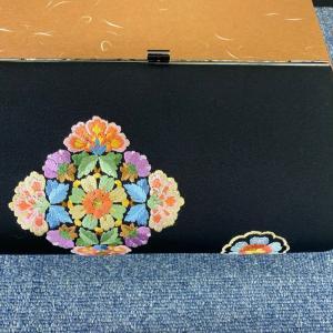 日本刺繍のバッグ