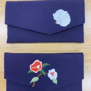 日本刺繍の数珠入れ