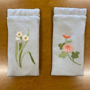 日本刺繍、お花の眼鏡ケース