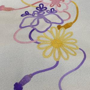 日本刺繍の帯 組紐