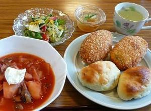 6/26料理セミナー活動報告 米粉ピロシキ、ヘルシーサラダ、ボルシチ