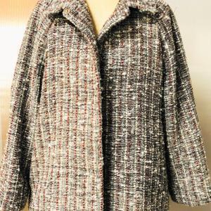 色々な糸で織ったコート