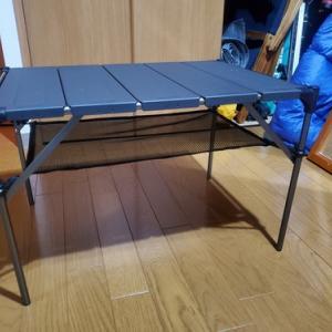 Moon Lence のキャンプテーブル、なかなかいい!!です。