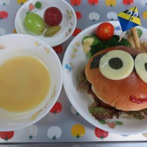 ミニオンのハンバーガー&豆腐入りお月見団子