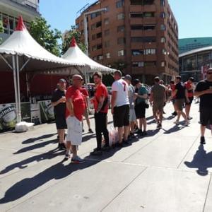 チャンピオンズリーグ決勝戦の当日フェリペ2世大通りは赤一色!