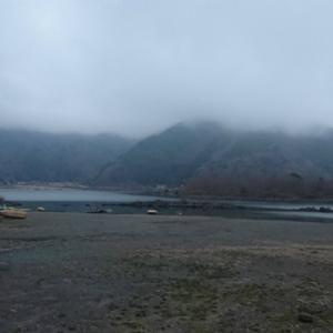 精進湖自由キャンプ場の一夜明けて朝~。