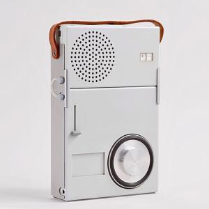 ブラウン 小型ラジオ&レコードプレイヤー TP1