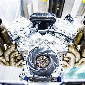 アストンマーティン ヴァルキリー V12型エンジン