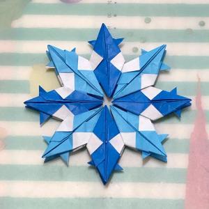 ユニット折り紙 今度は雪の結晶