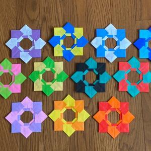 折り紙「伝承の家をひと折りして作るリース」増殖