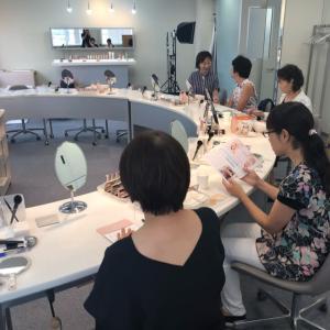 大人の化粧教室