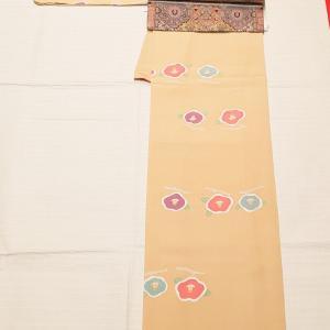 ぽってりとした椿~上質な織りの名古屋帯~