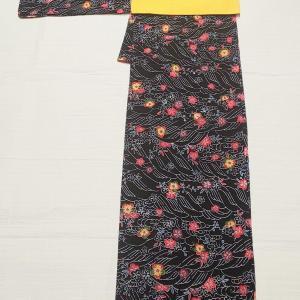 紅型 梅と波柄小紋~たまご色の綴れ&シンプルな雰囲気の名古屋帯~