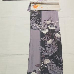 ポリ 藤色と黒色の市松柄小紋~アンティーク刺繍の袋帯~
