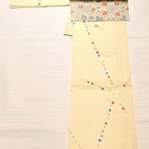 クリーム色の絞りの小紋 サイズ小さめ~きらきらした唐花柄の名古屋帯~