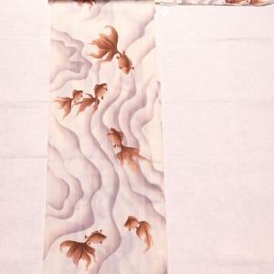 幻想的な金魚柄の浴衣~博多織りの濃い小豆色の半幅帯~