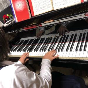 合奏のピアノを頑張ってます。