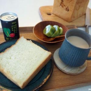 高級食パン、そしてOISIXさんのこんにゃく麺♪