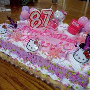 マグロとステーキと誕生日ケーキ