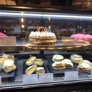 タイ 一流ホテルのケーキ