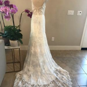 アムサラのシンプルレースウェディングドレス