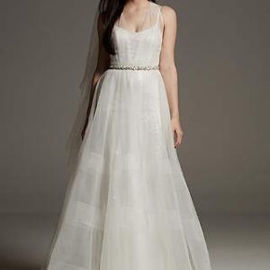 ホワイトバイの新ドレス