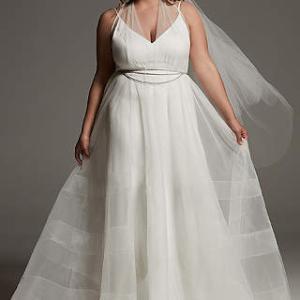 大柄な花嫁様こそインポートドレスを!