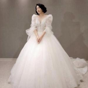 アジアの魅力的なドレス