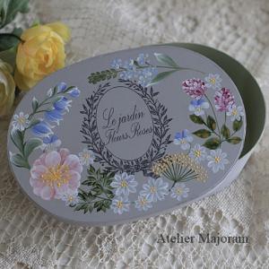 花のオーバルボックス