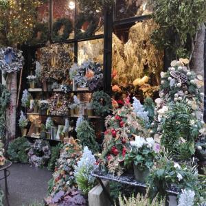 ♡【パリのクリスマス】お花屋さんとクリスマスツリーと私の小包の不思議と明日のストライキ情報♡