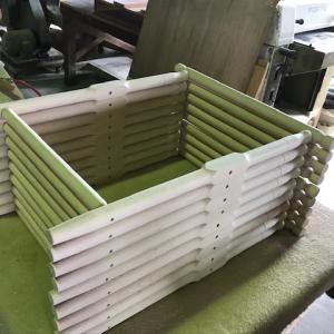 木工旋盤作業。