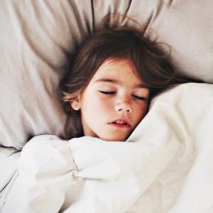 【不登校】中1で昼夜逆転。起こすと暴言も。どうするべき?