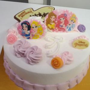 お誕生日ケーキはアイスで