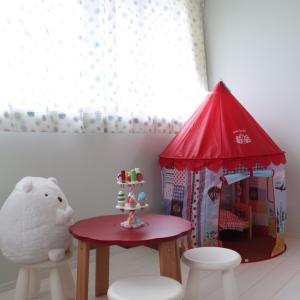 おもちゃいっぱいの子供部屋