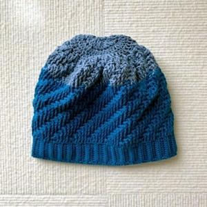 ちまちま編み編み