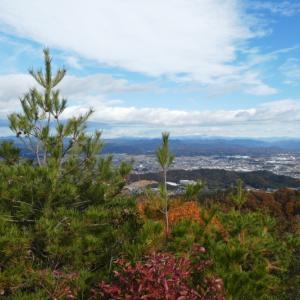 色付いた山々 明王山 (380M)     登頂・下山 編