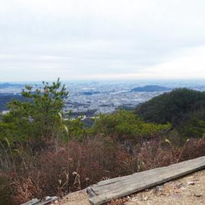 各務野自然遺産の森から 明王山山頂(380M)   登頂 編