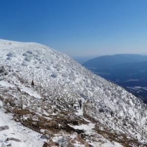 日本百名山 雪の伊吹山 (1,377.3M)   登頂・山頂 編